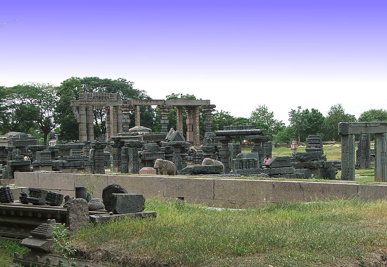https://foodravel.com/2018/07/28/things-you-dont-know-about-qutub-minar/
