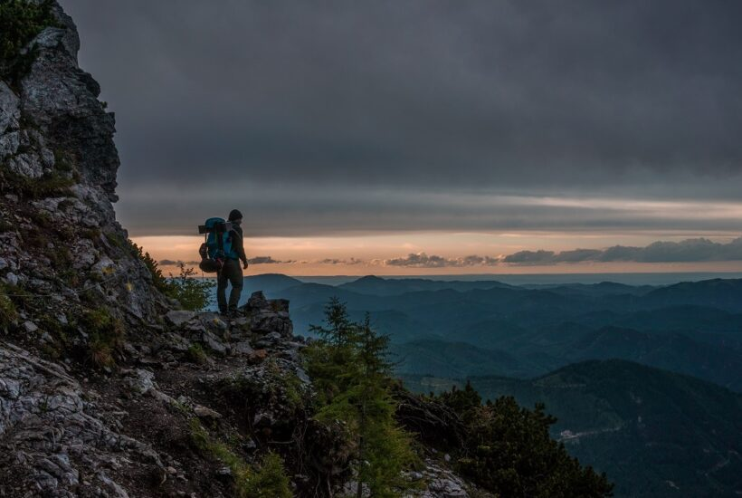 Trekking essentials' checklist – List of must have things to pack for trekking